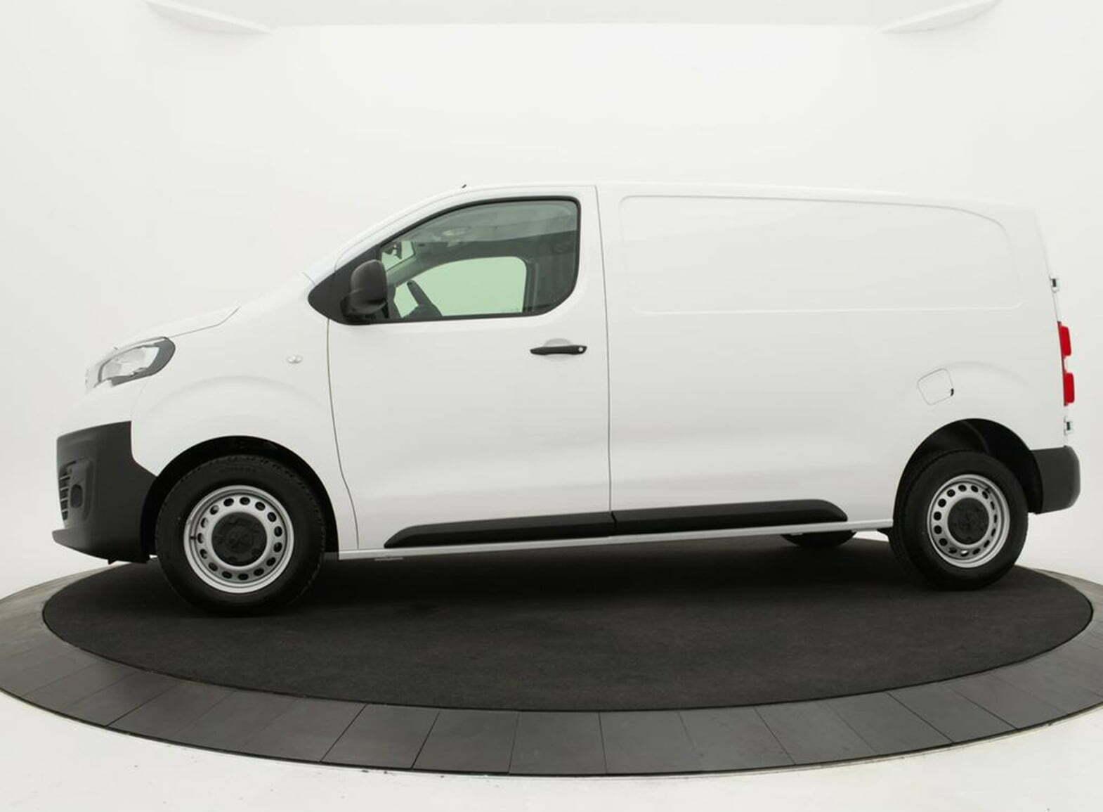 Peugeot Expert Premium Standaard 2.0 BlueHDi 120 pk 6-bak 4d.