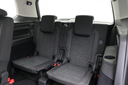 Volkswagen Touran 1.5 TSI 110kW/150pk DSG Highline Business R-Line 7-persoons 5d.