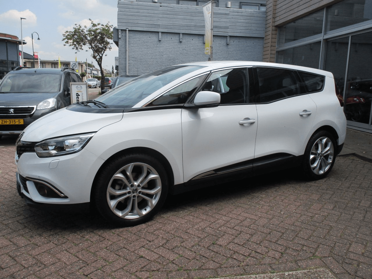 Renault Grand Scénic 1.3 TCe 140pk EDC Intens 7 persoons 5d.