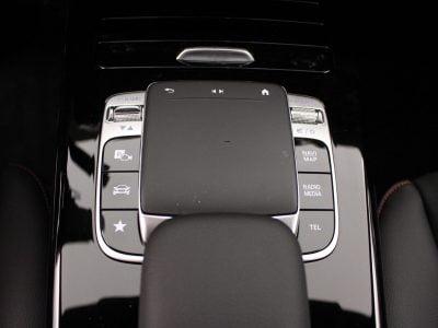 Mercedes-Benz CLA (1)