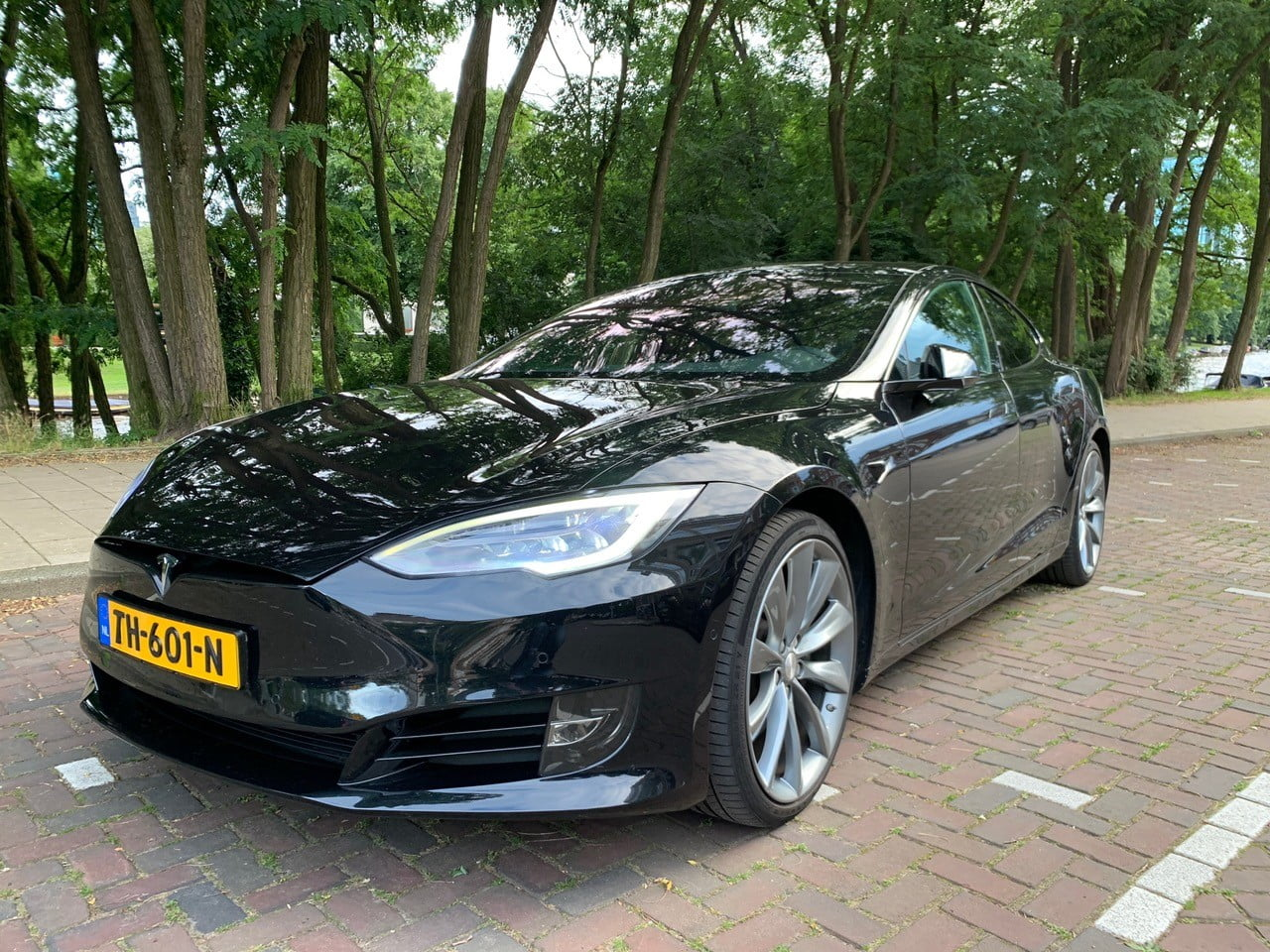 Tesla Model S 75 kWh AWD 5d. (Volledig 4% bijtelling!)