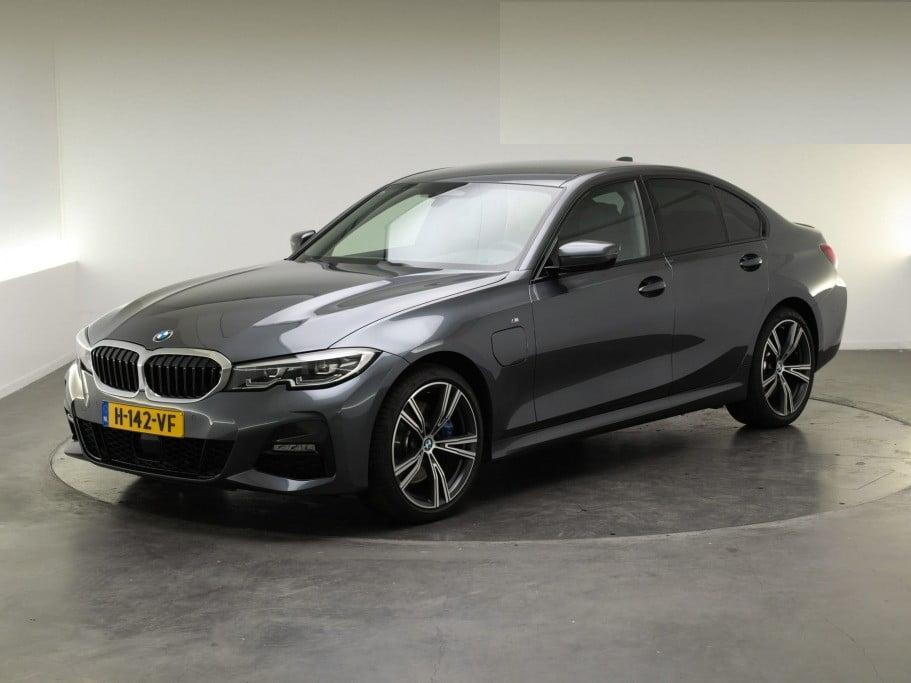 BMW 3-Serie Sedan 330e 185kW/252pk Model M Sport 4d.