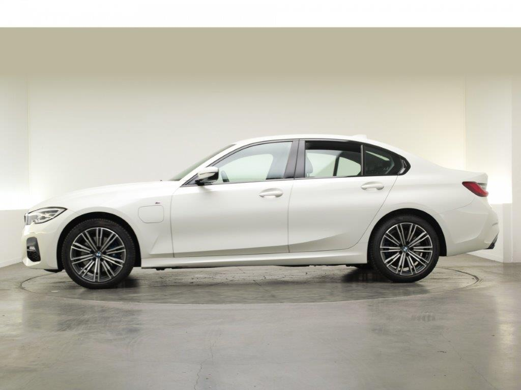 BMW 3-Serie Sedan 330e High Executive 4d.