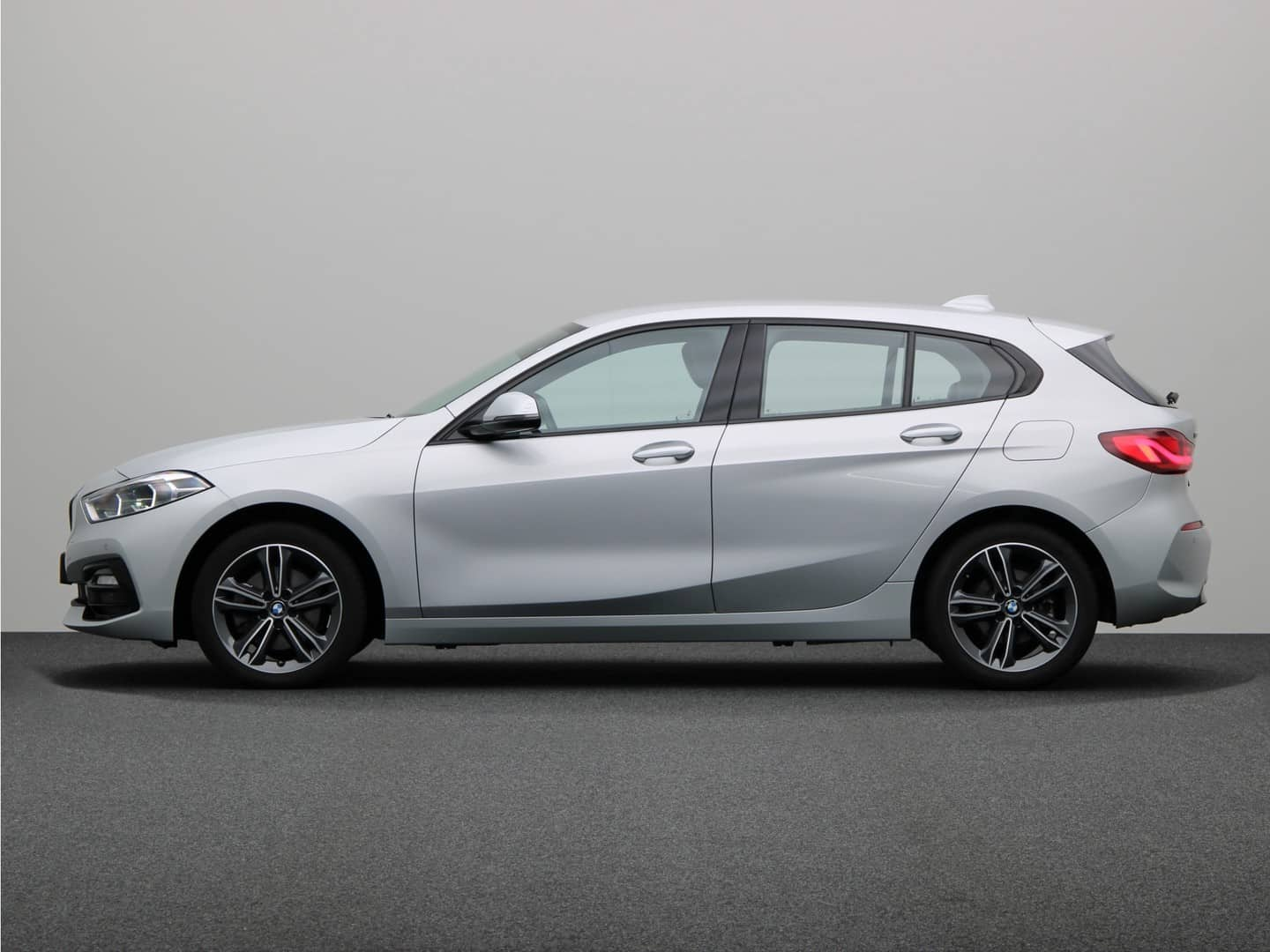 BMW 1-Serie 118i Business Edition Automaat 5d.